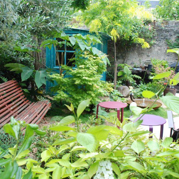 création jardin de ville, grands arbres, terrasses